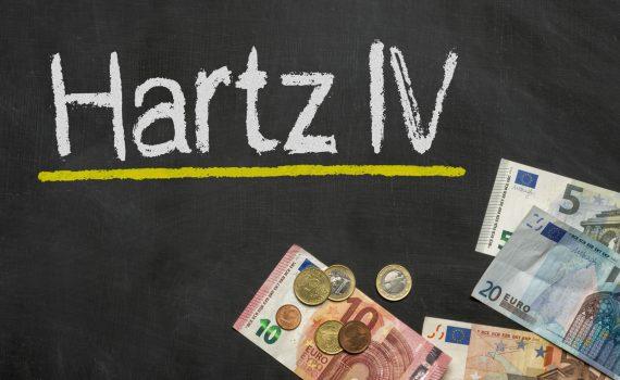 """Hartz IV: Ex-Jobcenter Mitarbeiterin packt aus: """"Es geht nicht um Menschen"""""""